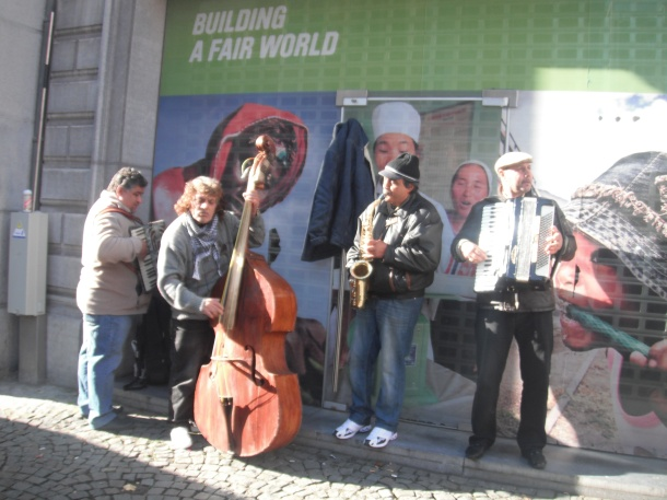 The Roma musicians
